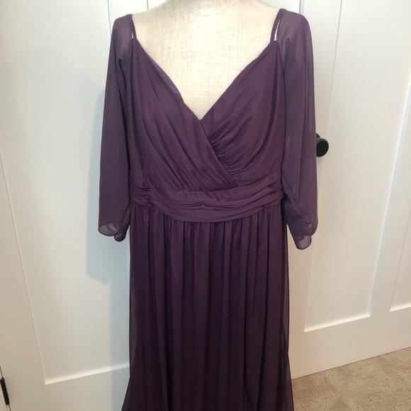 David's Bridal Dresses & Skirts - David's Bridal Plum Bridesmaid Dress - sz 18